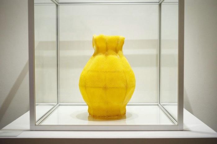 скульптуры из пчелиных сот 4 (700x465, 138Kb)
