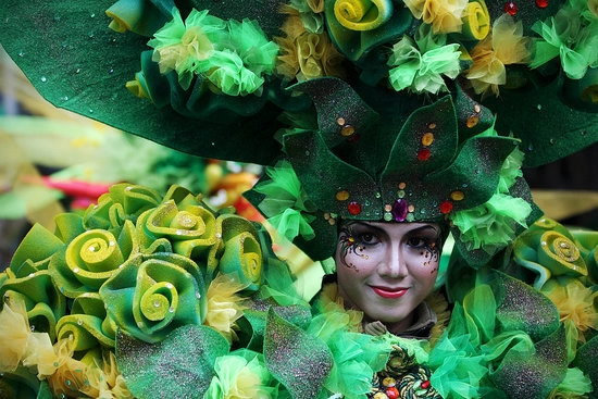 карнавал моды в джамбере Jember Fashion Carnaval 3 (550x367, 193Kb)