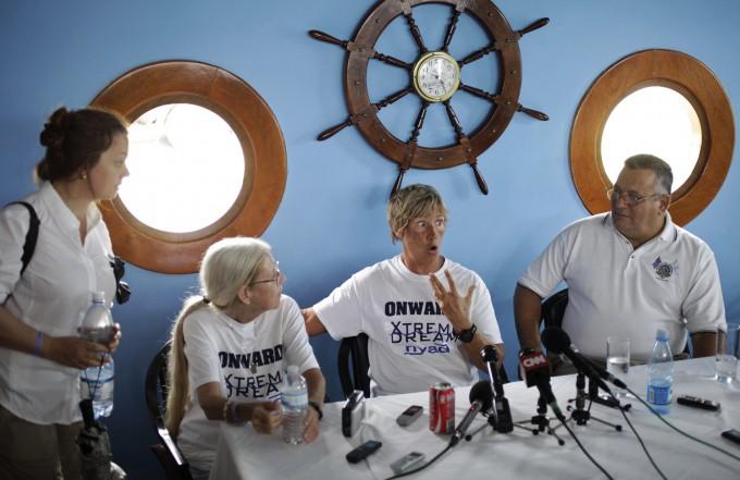 Дайана Найада переплыла флоридский пролив 5 (680x441, 231Kb)