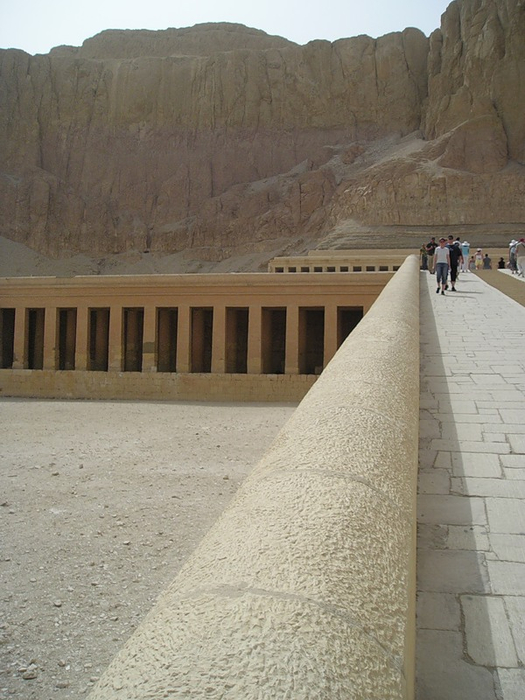 Храм царицы Хотшепсут1 (525x700, 347Kb)