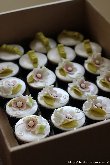 Apple-Blossom-Wedding-Cupcakes (427x640, 164Kb)