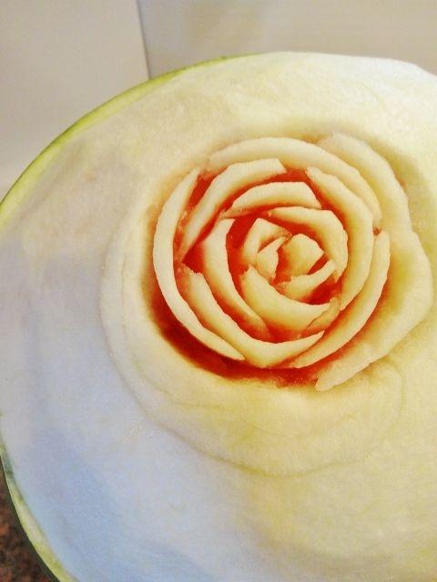 карвинг. розы из арбуза. салат из ананасов (55) (480x640, 160Kb)