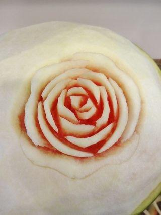 карвинг. розы из арбуза. салат из ананасов (57) (320x427, 51Kb)
