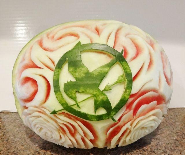 карвинг. розы из арбуза. салат из ананасов (73) (640x538, 201Kb)