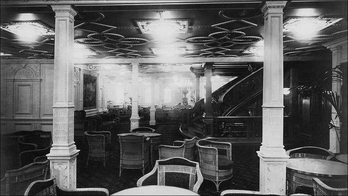1378305009_undersea_photos_of_the_titanic_wreckage_03151_019 (700x394, 185Kb)