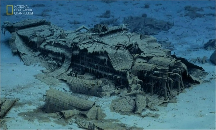 1378305002_undersea_photos_of_the_titanic_wreckage_03151_033 (700x420, 212Kb)