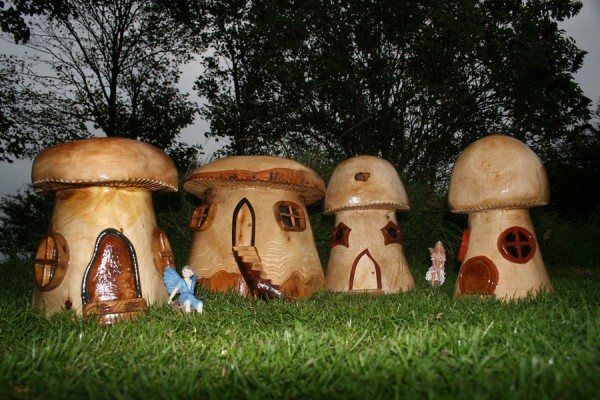 поделки из дерева грибов клип