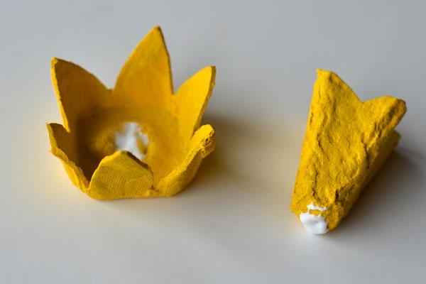 Нарциссы из яичных лотков. Мастер-класс (5) (600x400, 81Kb)