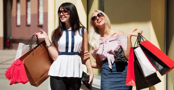 women-shopping (590x307, 133Kb)