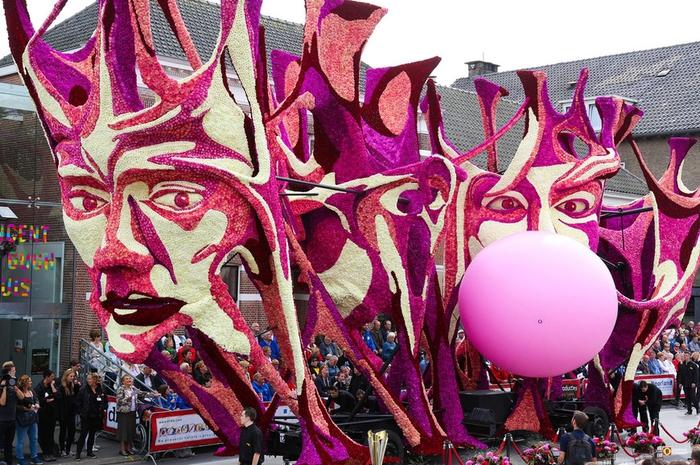 парад цветов в голландии фото (700x465, 343Kb)
