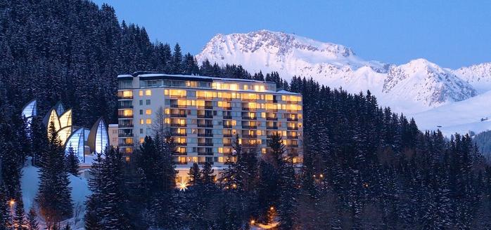 Tschuggen Grand отель в швейцарских альпах фото 3 (700x328, 224Kb)