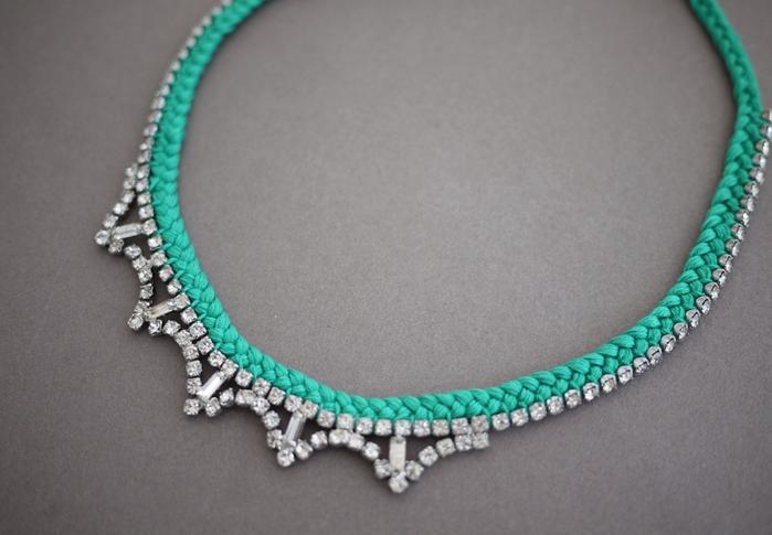 Украшаем ожерелье нитками мулине7te (700x485, 212Kb)