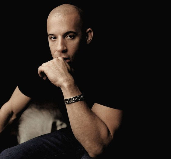 105156385_Men_Male_Celebrity_Vin_Diesel_031747_ (562x524, 36Kb)
