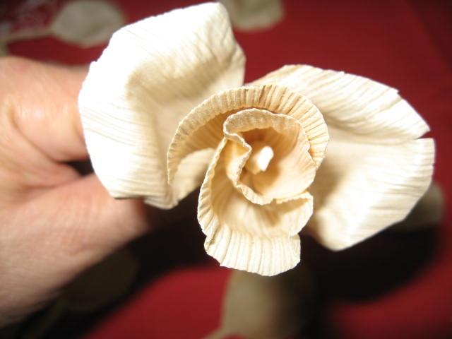 букет цветов из листьев кукурузы - талаша, мастер-класс (13) (640x480, 121Kb)