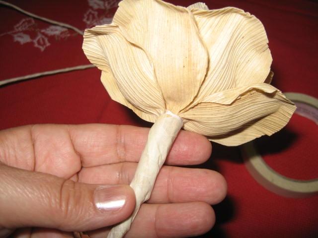 букет цветов из листьев кукурузы - талаша, мастер-класс (19) (640x480, 150Kb)