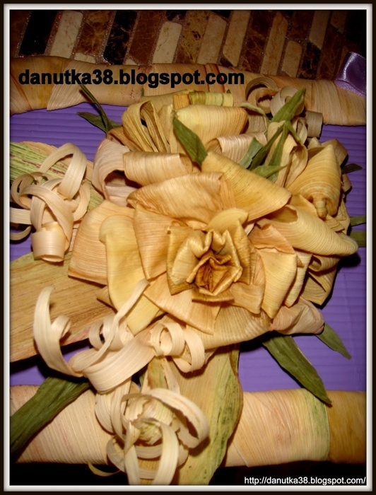 букет цветов из листьев кукурузы - талаша, мастер-класс (39) (532x700, 286Kb)