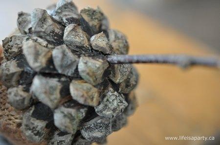 Желуди из шишек и мешковины для осеннего декора. Мастер-класс (7) (450x298, 65Kb)