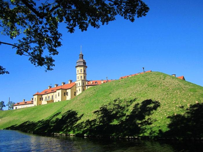 Радзивилловский замок Несвиж (168) (700x525, 286Kb)