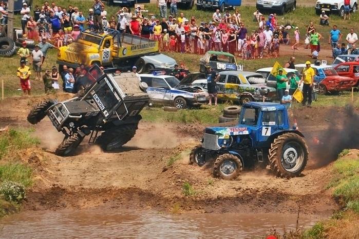 гонки на тракторах россия 2 (700x466, 315Kb)