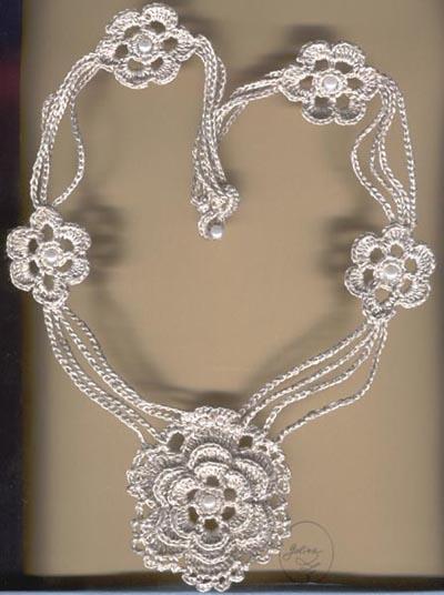 вязаные ожерелья