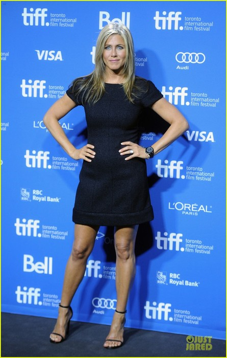 jennifer-aniston-life-of-crime-tiff-press-conference-01 (445x700, 77Kb)