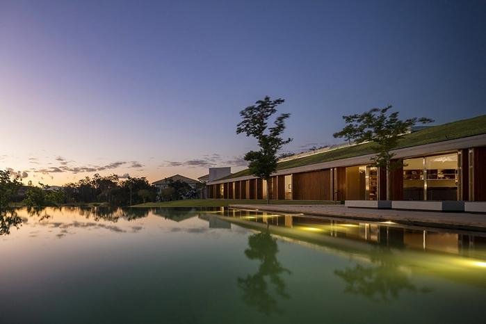 большой современный дом фото 3 (700x466, 176Kb)