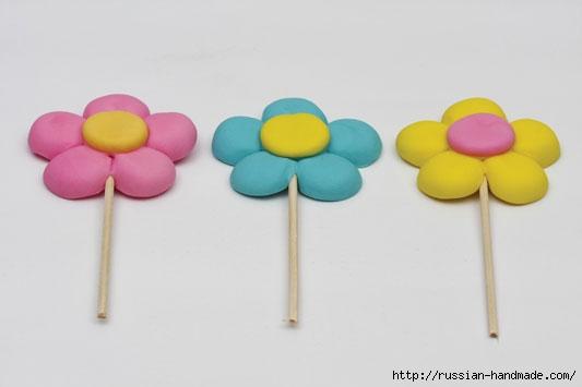 Марципановый торт и цветочные кексы (6) (533x355, 42Kb)