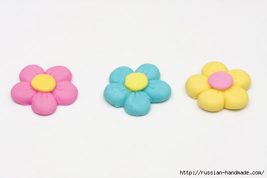 Марципановый торт и цветочные кексы (10) (533x355, 37Kb)