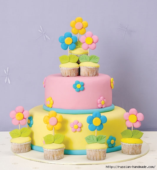 Марципановый торт и цветочные кексы (20) (533x577, 122Kb)