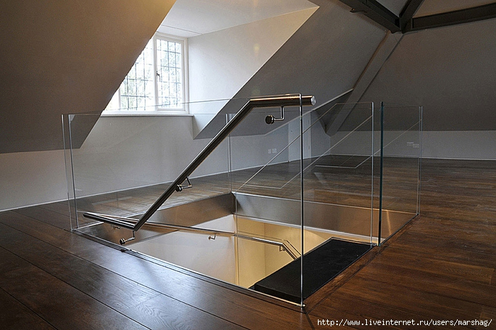 straight_staircase_with_glass_balustrade_6H (700x465, 276Kb)