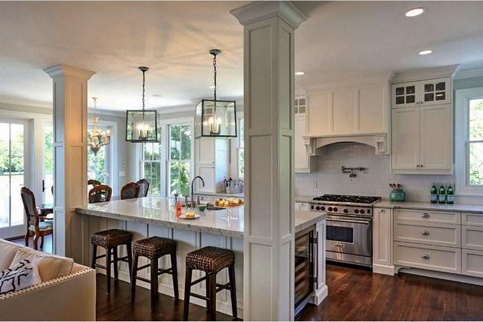 Четкие границы кухни определяют колонны/4019326_6210 (700x467, 80Kb)