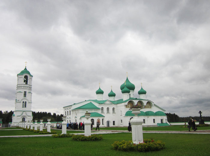 Александро-Свирский монастырь 03 (700x520, 171Kb)