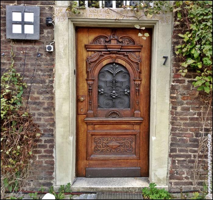 Двери 9/15. Дюссельдорф-Урденбах