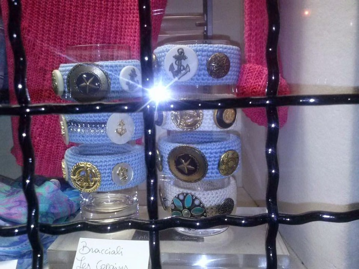 4458603_bracelets_crochet_vintage_buttons (700x525, 118Kb)