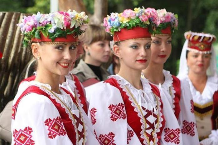 Основные причины, почему русские женщины любят наряжаться