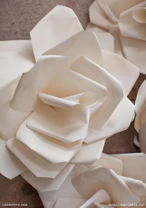 Большие цветы из бумаги для свадебного торжества (2) (490x700, 169Kb)