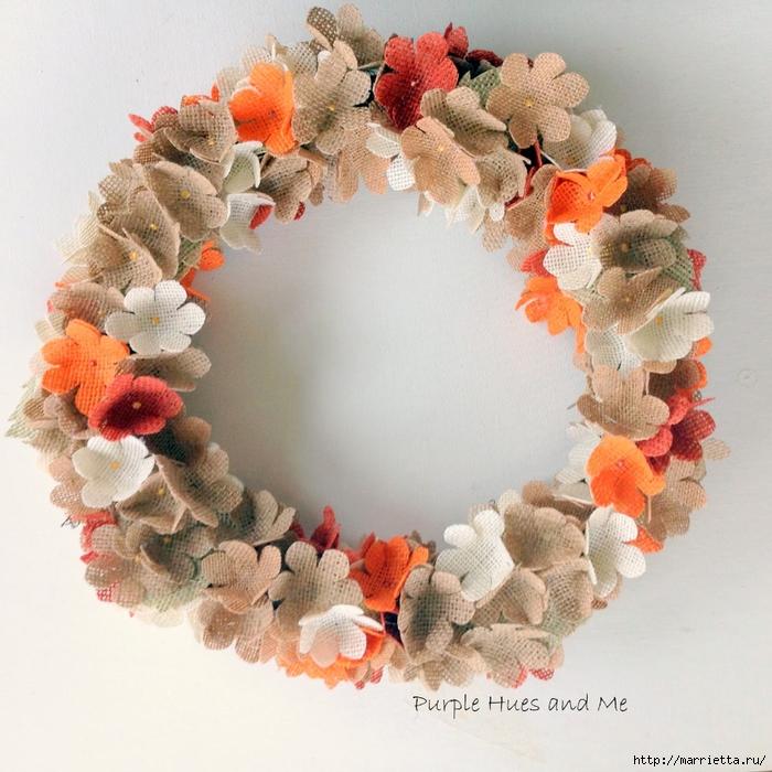 Нежный венок с цветочками из мешковины (8) (700x700, 356Kb)