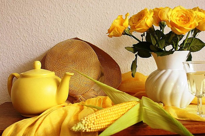 108250__fall-and-yellow-roses_p (700x466, 96Kb)