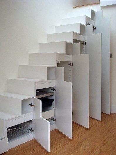 Пространство под лестницей фото,дверцы