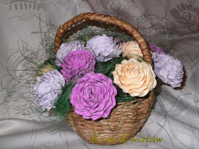 Гвоздики - цветы из гофрированной бумаги (1) (700x525, 398Kb)