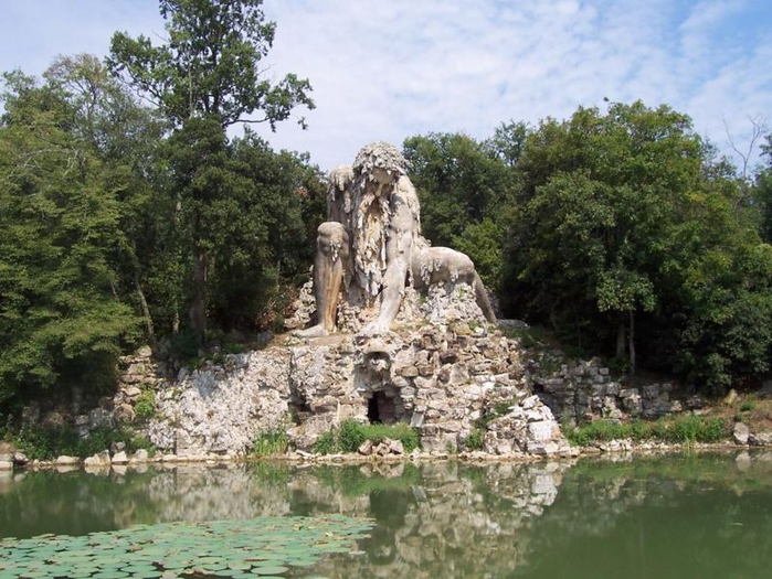статуя бога аппенино италия 1 (700x525, 410Kb)