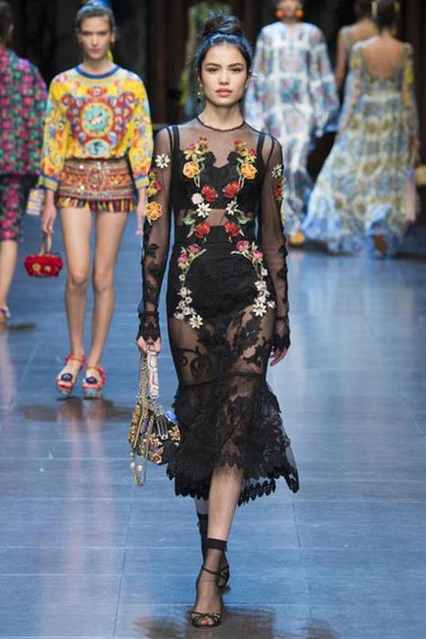 125633537 101515 1904 3 Самые откровенные платья недель моды в 2015 году