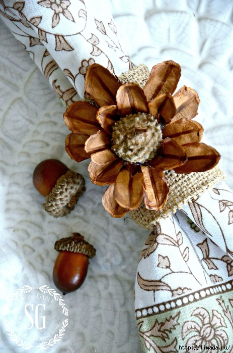 PINECONE-AND-ACORN-FLOWER-NAPKIN-RINGS-top-view-stonegableblog.com_ (463x700, 301Kb)