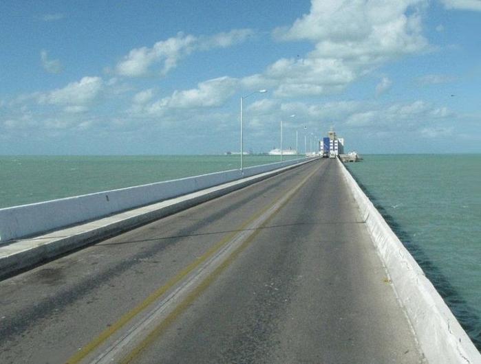 пирс прогресо мексиканский залив 4 (700x530, 296Kb)