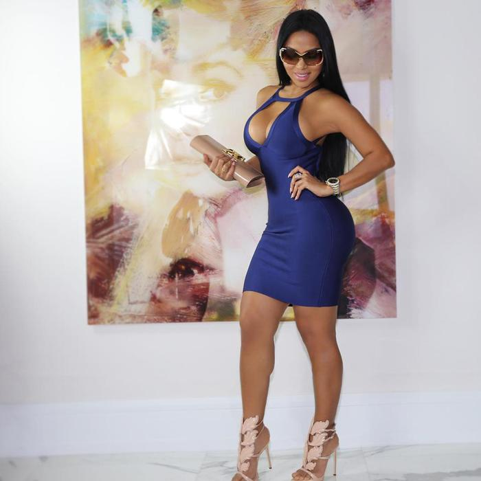 Прекрасная и сексуальная Долли Кастро (Dolly Castro)