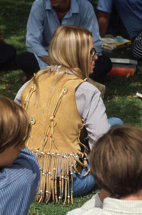 125790275 102315 1850 2 Как одевались американские студентки в конце 1960 х годов