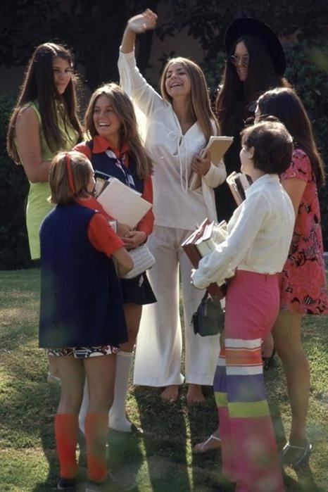 125790277 102315 1850 4 Как одевались американские студентки в конце 1960 х годов