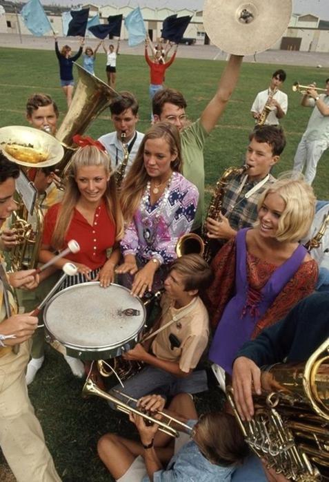125790283 102315 1850 10 Как одевались американские студентки в конце 1960 х годов