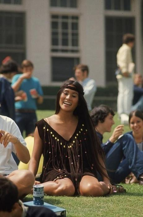 125790285 102315 1850 12 Как одевались американские студентки в конце 1960 х годов