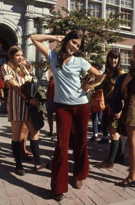125790287 102315 1850 13 Как одевались американские студентки в конце 1960 х годов